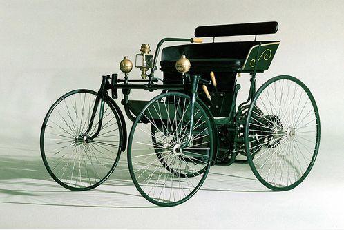 Автомобиль Даймлера с ДВС 1889 г.